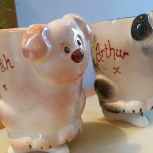 dog mugs together
