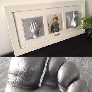 Reframing Baby Hand & Foot Casts 8