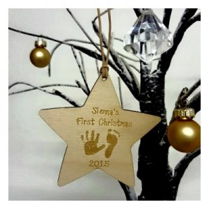 personalised-christmas-star-with-childrens-hands-and-feet-400x400