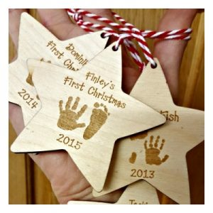personalised-wooden-christmas-star-with-hands-and-feet-400x400